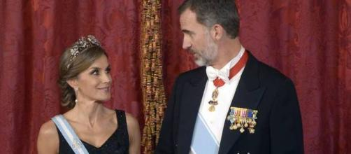 El ex marido de Letizia y su libro, nuevo varapalo para la monarquía