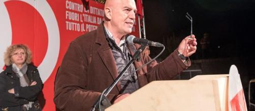 Elezioni 4 Marzo 2018, Marco Rizzo durante un comizio.