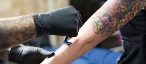 Lo que debes saber antes de tatuarte - Estilo de vida - culturacolectiva.com