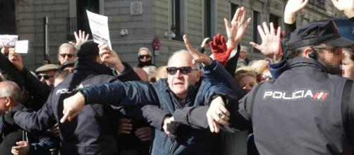 Los jubilados se manifiestan por toda España reclamando una pensión digna