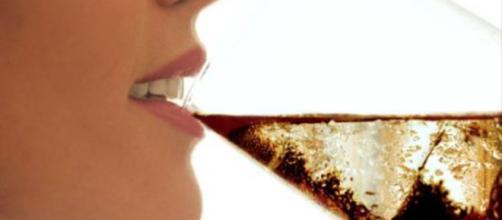 Mai bere coca cola insieme ad alimenti processati