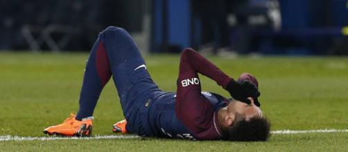 Neymar podría no jugar ante el Real Madrid
