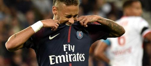 Neymar salio lesionado el pasado fin de semana