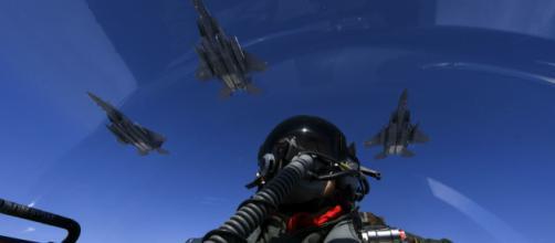 Novo bombardeio de coalizão dos EUA na Síria mata dezenas de civis