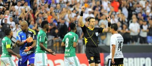 O clássico foi vencido por 2 a 0 pelo Corinthians