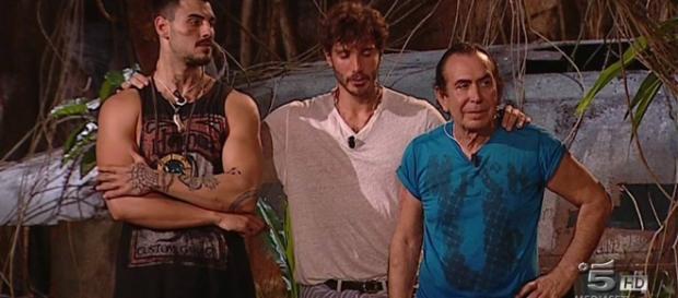 Giucas Casella lascia l'Isola dei famosi