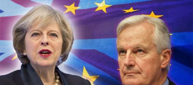 Premierul britanic, Theresa May și negociatorul șef al UE pentru Brexit, Michel Barnier
