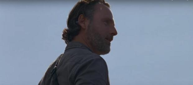 A mysterious scene involving Rick Grimes completes the most recent 'Walking Dead.' [Image source: IKnowBro,/YouTube screencap]