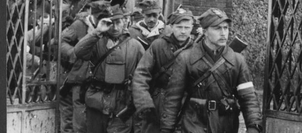 Żołnierze wyklęci, odczarujmy bohaterów (fot. wyborcza.pl)