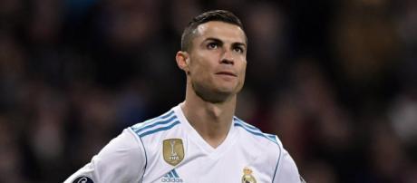Al aumentar su salario anual a 30 millones de euros por temporada el Real Madrid retiene a Ronaldo