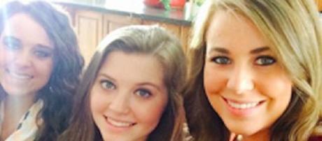Joy-Anna Duggar keeps mum on baby due date | Youtube TLC 'Counting On'