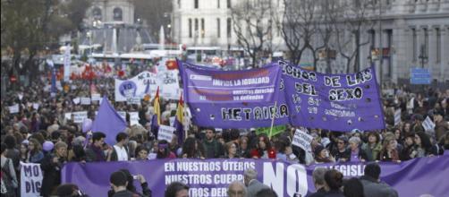 Haz la huelga del 8 de Marzo. #nonosdoblegamos