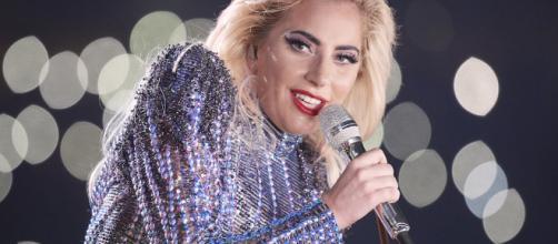 Problemi di salute per Lady Gaga: saltano le ultime date europee del tour
