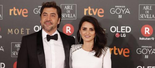 Penélope Cruz y Javier Bardem en el photocall de los Premios Goya 2018