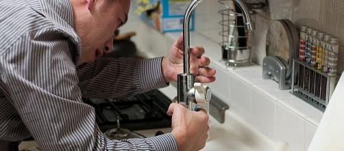 Plumbers work overtime after the Super Bowl [Image: pixabay.com]