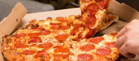 Papa John's y Pizza Hut quienes se están metiendo en las grandes ofertas para el Super Bowl.