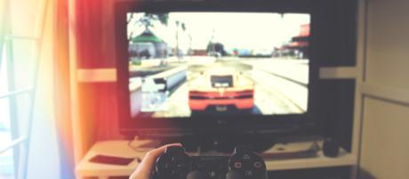 Violent video games won't make players more aggressive. Photo by John Sting on Unsplash