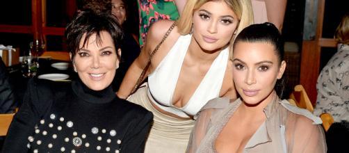 Kris Jenner sai em defesa de Kim e Kylie