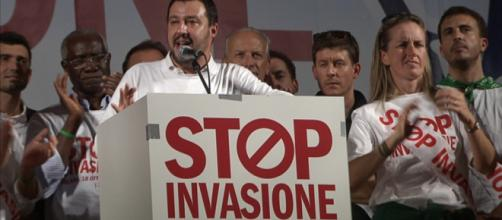 Stop invasione, Salvini: 'Fermate l'immigrazione o la fermiamo noi'