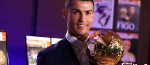 """Cristiano Ronaldo di nuovo papà: in arrivo due gemelli"""" - today.it"""