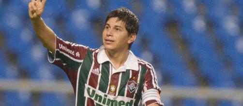 Dario Conca pode vestir novamente a camisa do Fluminense (Foto: O Globo)