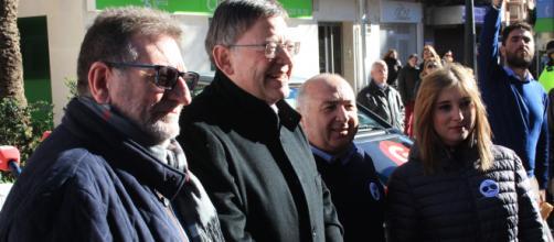 El alcalde de Torrent, el president de la Generalitat, y los dos directores de «Valencia de Norte a Sur»