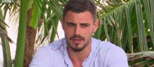 Gossip: Francesco Monte lascia l'Isola dopo lo 'scandalo droga'? Lo scoop.