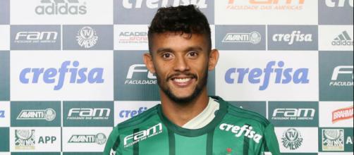Gustavo Scarpa fez sua estreia no clássico contra o Santos