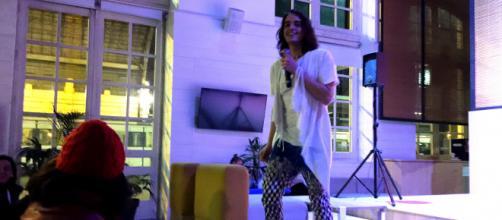 Marco Valdeolmillos revolucionando al público con su actuación