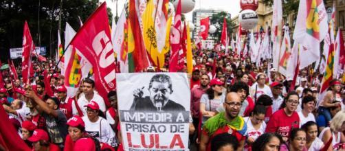 Petistas ficam cego diante do auxílio-moradia de Lula