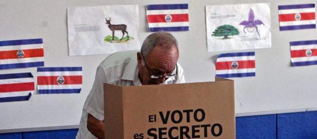 Elecciones Costa Rica: Indecisos tienen la palabra en recta final ... - estrategiaynegocios.net