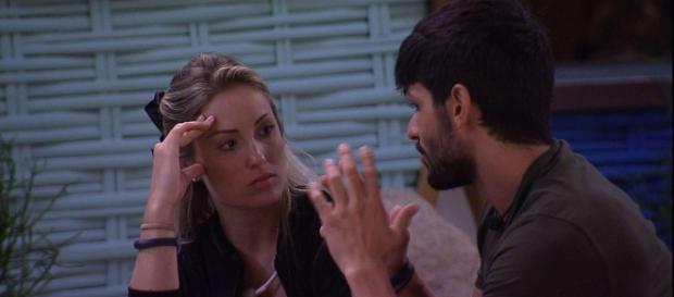 Jéssica e Lucas tentam resistir à atração que sentem um pelo outro
