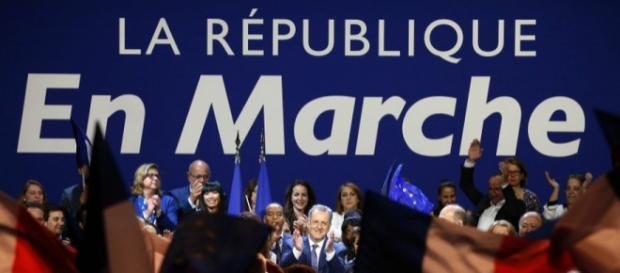 La République En Marche : nouveaux statuts adoptés à 90,6% des votants - rtl.fr