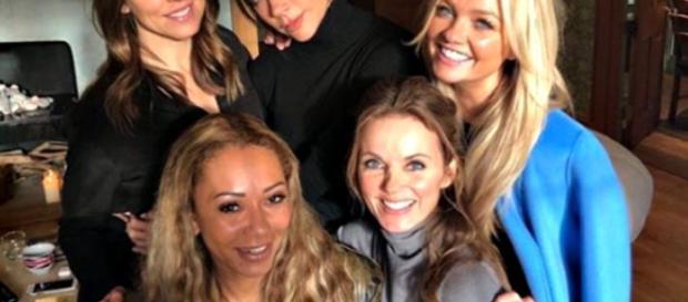 Le Spice Girls tornano al completo