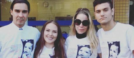 A atriz Daniele Winnitis esteve em Joinville e visitou o menino