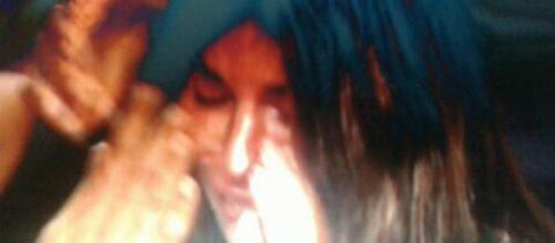 Bianca Atzei in lacrime durante la diretta dell'Isola dei Famosi