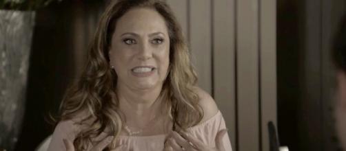 Nádia encontrará Gustavo no bordel e fará um escândalo em O Outro Lado do Paraíso (Foto: TV Globo)