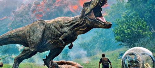 the Super Bowl-released trailer for Jurassic World: Fallen Kingdom - thefourohfive.com