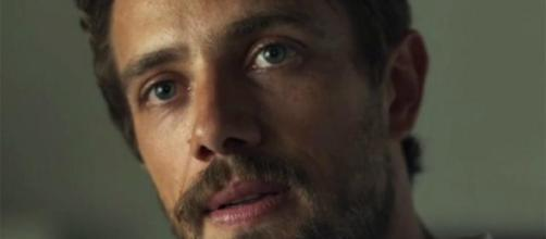 Renato: nem vilão, nem mocinho, um justiceiro como Clara