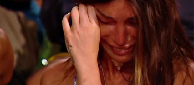 Bianca Atzei in lacrime per Max Biaggi