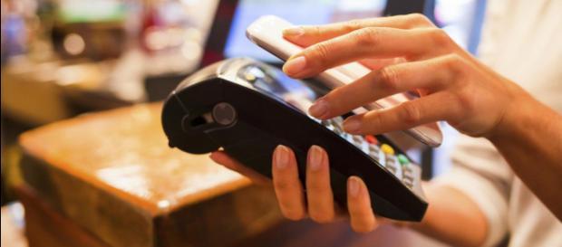 Cada vez más lejos el uso de efectivo.- elnuevodia.com