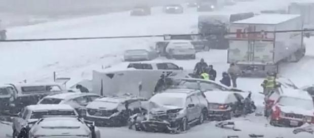 'Dancing with the Stars' tour buses involved in deadly pileup on icy road [Image: Alban Famous News/YouTube screenshot]