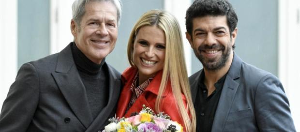Sanremo 2018: Claudio Baglioni, Michelle Hunziker e Pierfrancesco Savino