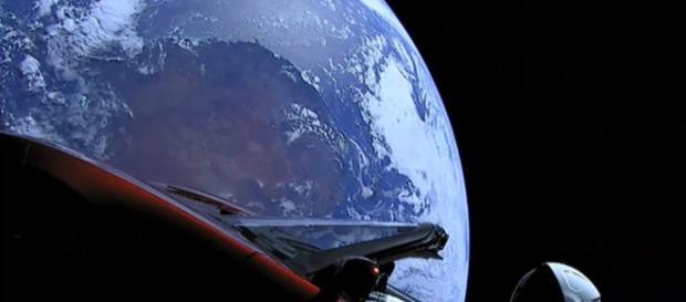 Une voiture Tesla filmée dans l'espace, le gros coup d'Elon Musk ... - leparisien.fr