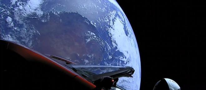 Une voiture Tesla filmée dans l'espace, le gros coup d'Elon Musk