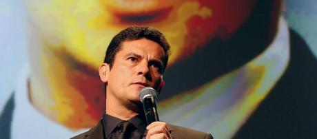Juiz Sérgio Moro faz análise de provas apresentadas em relação a inquérito aberto contra Lula