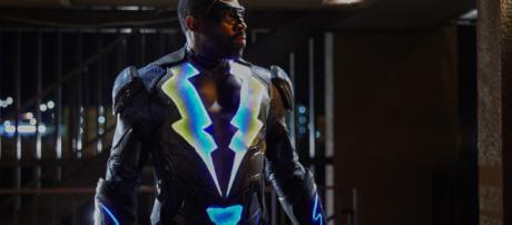 La serie basada en el comic Black Lightning hace un capítulo dando protagonismo a Tobias