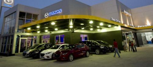 Agencias de autos nuevos a la baja