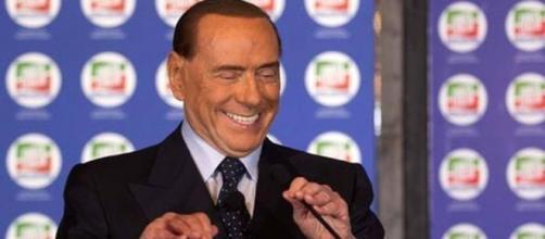 Pensioni minime a 1000 euro al mese, la promessa di Berlusconi