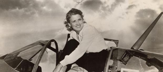 Jacqueline Cochran: la espectacular vida de 'La Reina de la Velocidad'